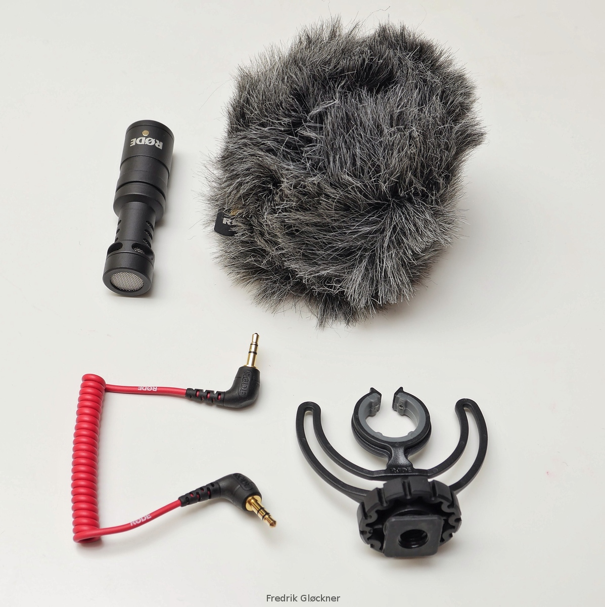 Micro 4 3rds Photography Rde Videomicro Review Mic Rode Video There Is Also A Shock Absorbing Mount For Placing The Microphone In Cameras Flash Shoe As Well Furry Wind Shield