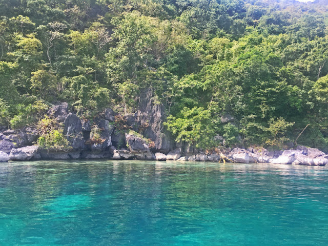 East Tangat Wreck Pass Island Escapade