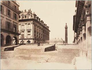 Une barricade qui attend l'ennemi Place Vendôme