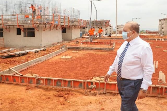 O governador do DF Ibaneis Rocha vai começar mais de 1.000 obras em 2021