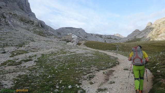 Ruta a Torrecerredo. Techo de Picos de Europa