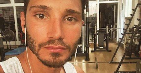Selfie, Stefano De Martino parla di suo figlio: Belen commossa
