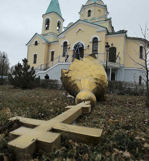 Igreja atingida em Kuibyshevski, no leste da Ucrânia