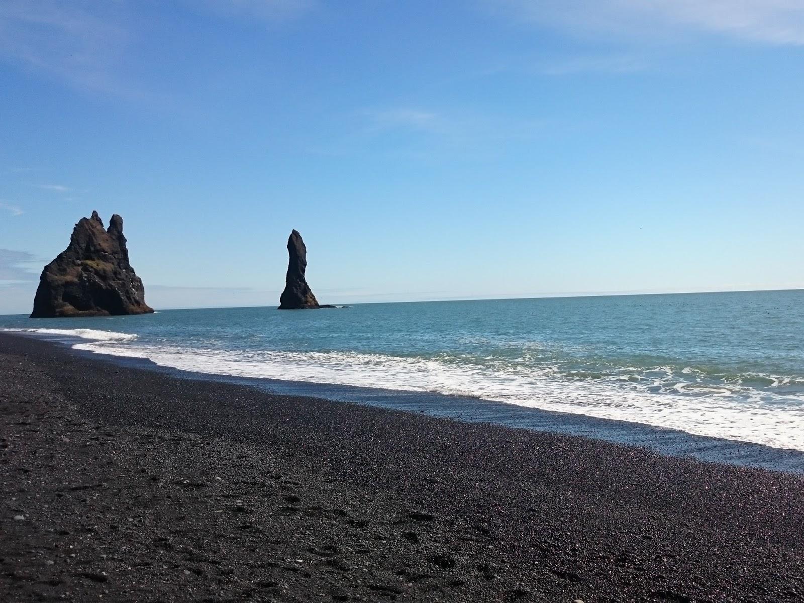 Reynisfjara, czarna plaża, islandzka plaża, islandzki krajobraz