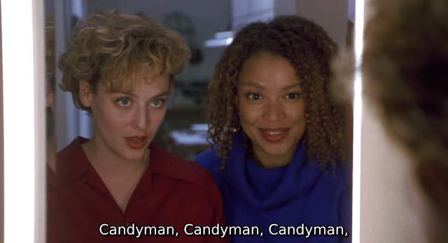 Helen dan Bernadette di film Candyman (1992) memanggil nama Candyman di depan cermin