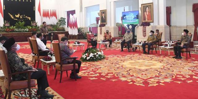 Ketum Parpol Koalisi Diundang Istana, PDIP: Jokowi Sudah pada Track Benar