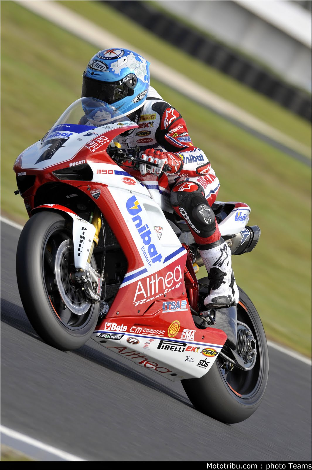 Racing Caf U00e8  Carlos Checa World Champion Sbk 2011