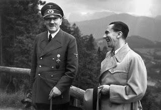 Hitler y Goebbels, tan felices ellos.