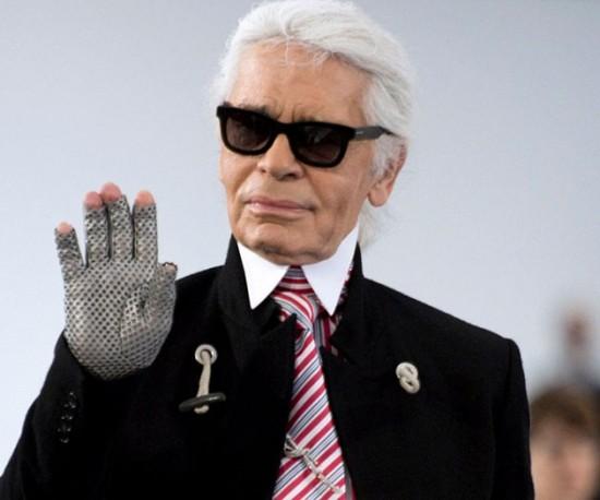 MODA: Morre estilista Karl Lagerfeld, diretor criativo da Chanel.