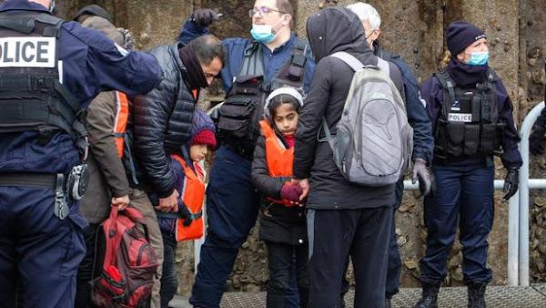 Des migrants expulsés près de Calais, une centaine «mis à l'abri»