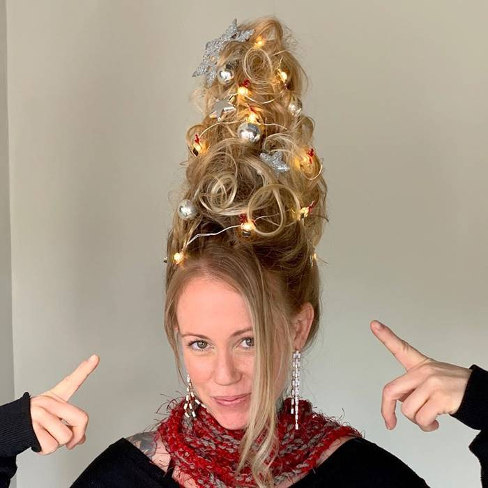 Girls came up with a festive trend with new Christmas tree hair style