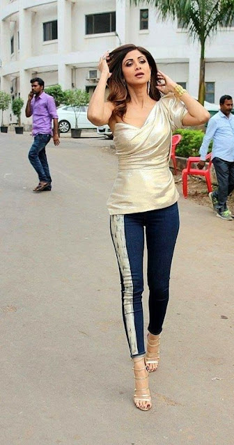 Shilpa Shetty Kundra Latest Pics At Dance Show Shooting Actress Trend
