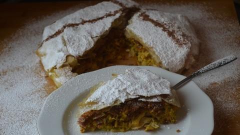 Moroccan recipes: The original chicken & almond Pastilla