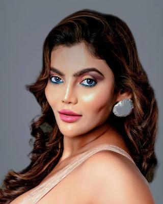 paglet web series actress juhi chatterji