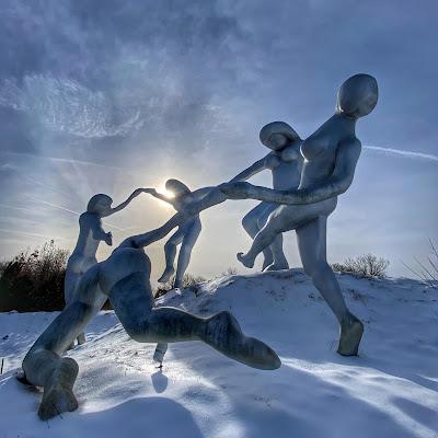 Daydream sculpture by Seward Johnson