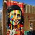 MUNDO: Muralista brasileiro pinta mural em homenagem a Anne Frank.