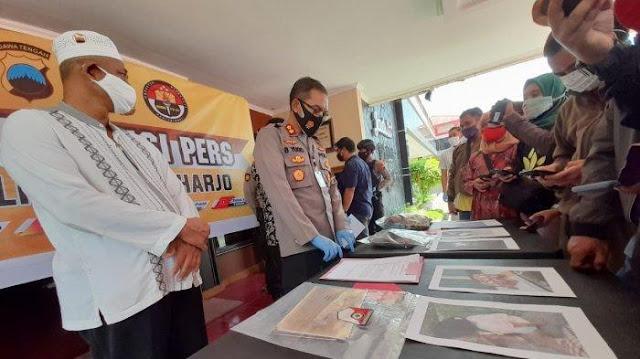 Kembali Terjadi, Warga Temukan Potongan Kertas Al Quran Berserakan di Lantai Masjid