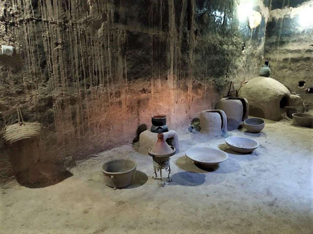 alcuni utensili in mostra kasbah skoura
