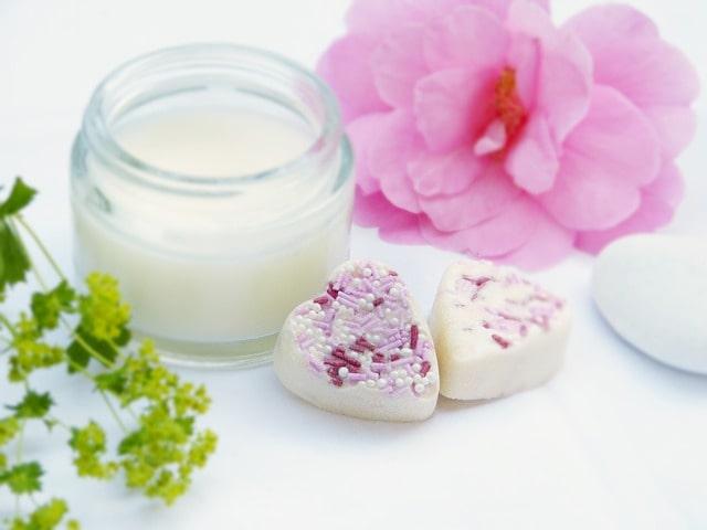 Skincare yang Cocok untuk Kulit Berminyak