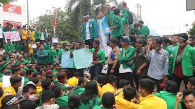 Ini Tuntutan Demo Ribuan Mahasiswa di DPRK Lhokseumawe, Ada yang Berkaitan Langsung dengan Aceh