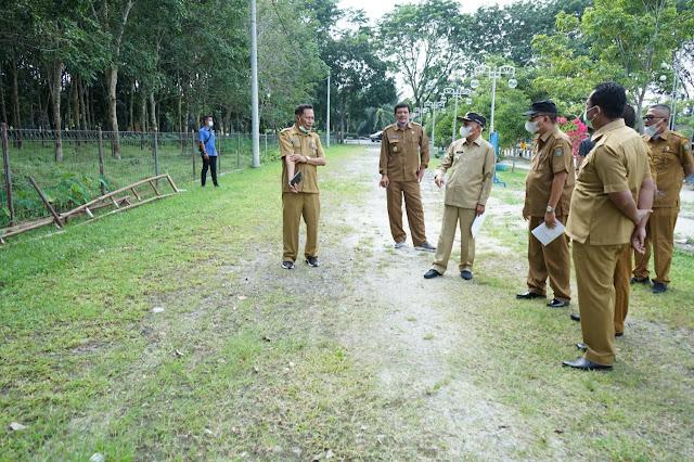 Bupati Asahan Tinjau Hutan Kota TGS dan Meminta Fasilitasnya Diperbaiki dan Menyediakan Lokasi Parkir