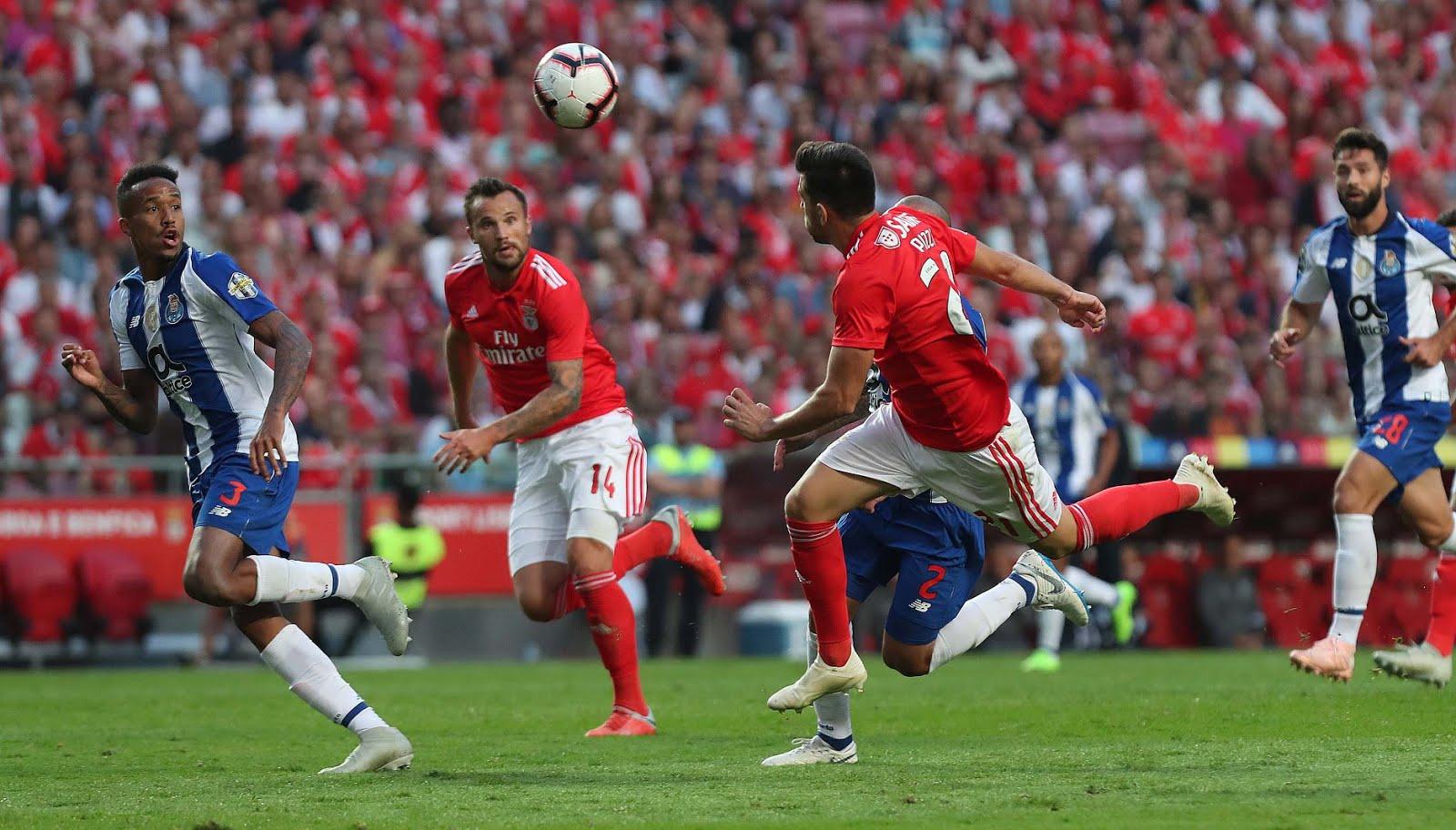 ab0ae3d8d8 ... mas a vitória no Clássico frente ao Porto assenta-nos muito bem. Num  jogo equilibrado foi o Benfica quem foi aquele bocadinho melhor para vencer  o jogo.
