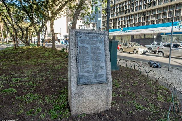 Placa em homenagem a colônia afro-brasileira