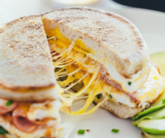 Breakfast Sandwich One Pan