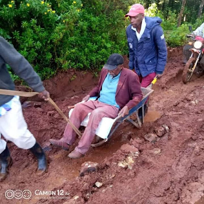 Nyandarua elderly sick man in Nyandarua county who was being carried on a wheelbarrow died on his way