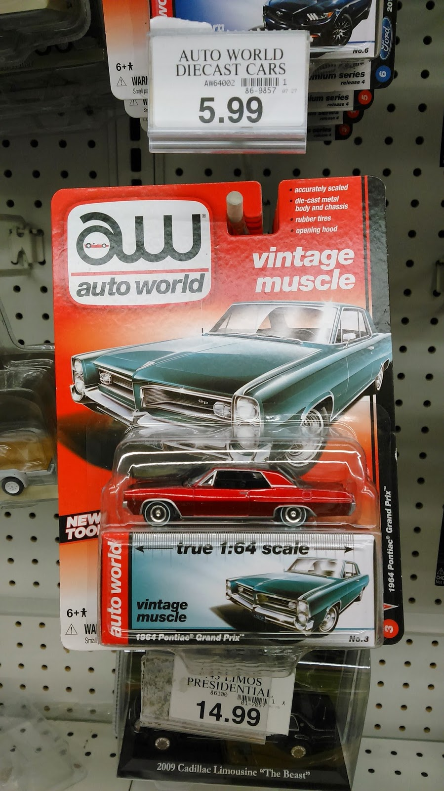 Auto World Vintage Muscle - 1964 Pontiac Grand Prix CHASE!