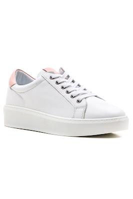 bağcıklı bayan spor beyaz ayakkabı