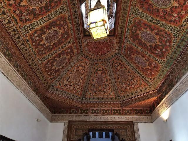 soffitto intarsiato palazzo bahia marrakech