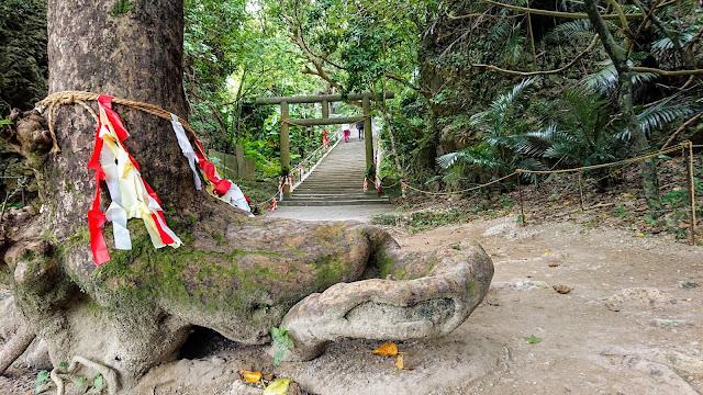 沖縄 シルミチューの墓