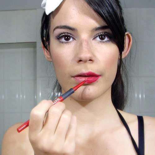 maquillar labios rojos noche monika sanchez