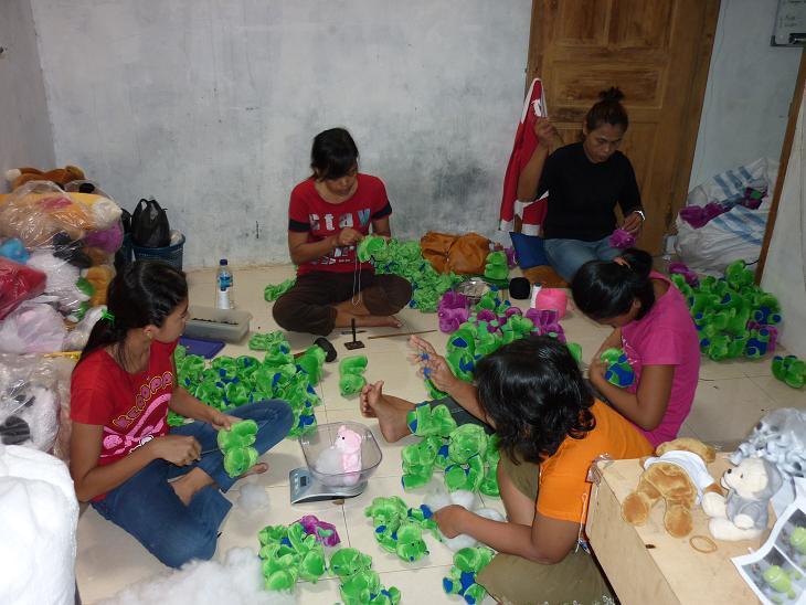 Cara Membuat Boneka di Pabrik Boneka - PABRIK BONEKA 35a2298115