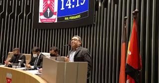 Nal Fernandes na tribuna destacou saudades dos Governos de Zenóbio Toscano e Fátima Paulino