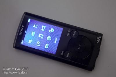Ponsel Low End Pun Bergaya Hybrid