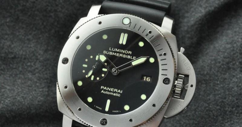 For Sale : Panerai Submersible Titanium Pam305