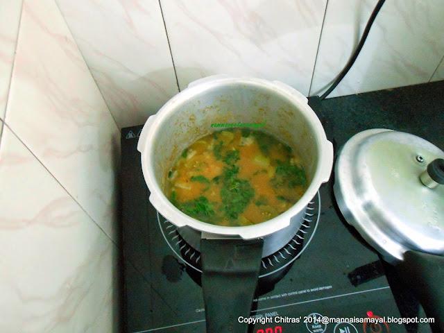Thakkali kai Sambar [ unripe tomato sambar ]