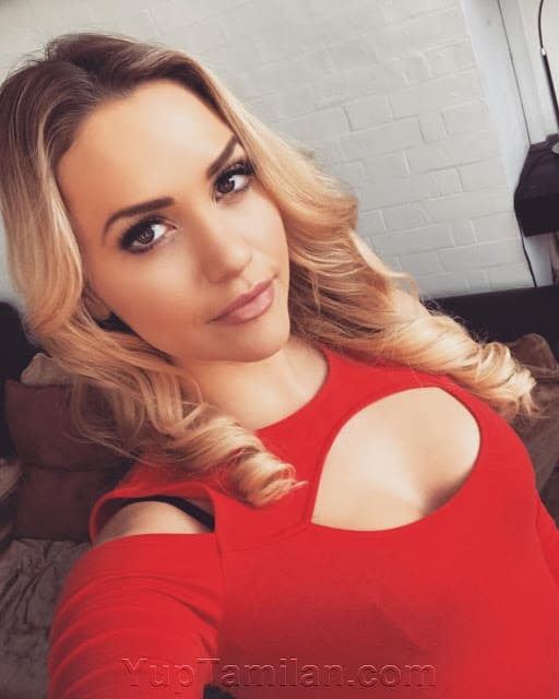 Mia Malkova Hot & Sexy Photos- Sexy Lingerie, Butt Images in HD