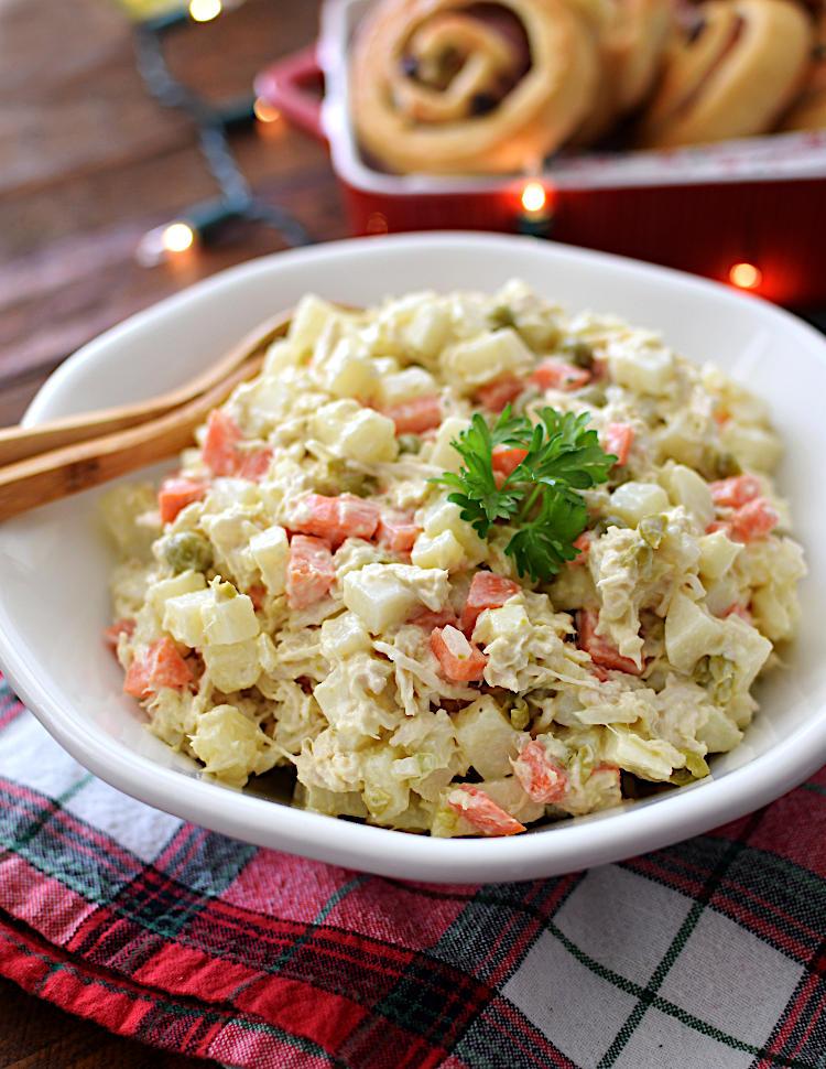 Ensalada de gallina o pollo con papas y zanahorias