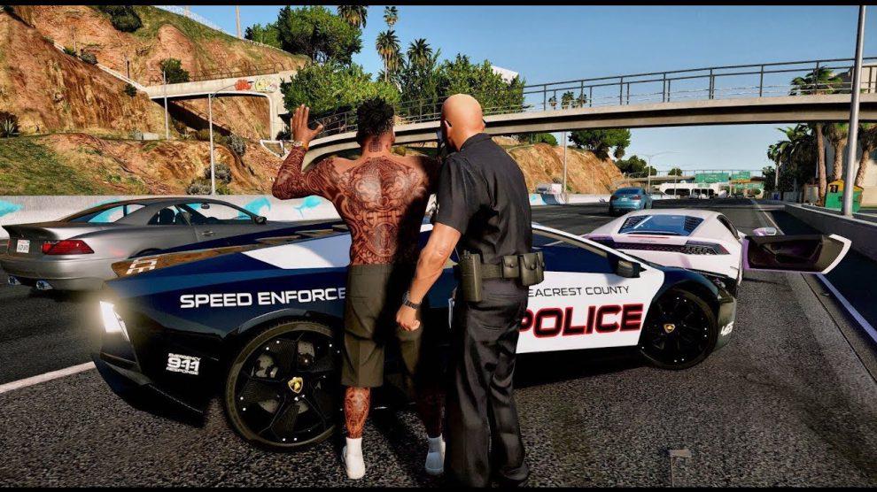 الشرطة في لعبة جاتا 7