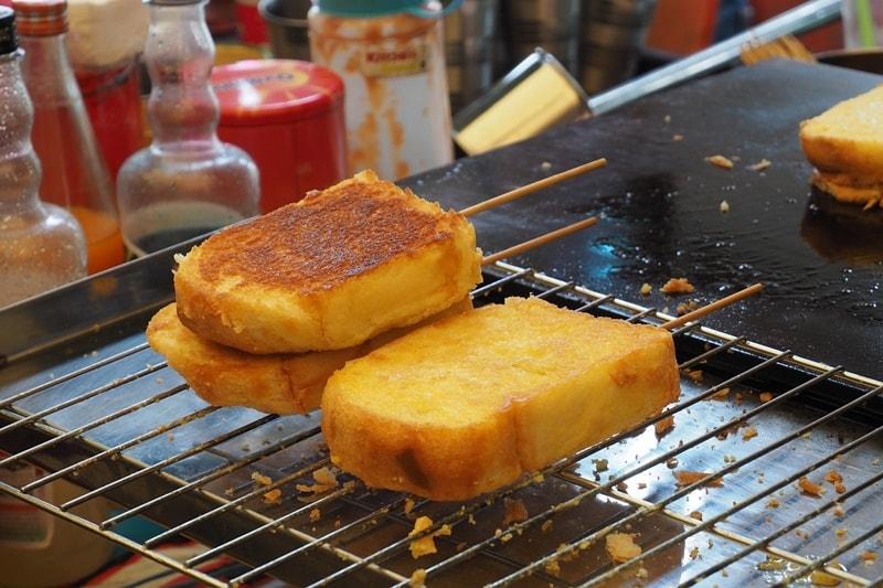 ขายขนมปังปิ้ง สังขยา ขายของกินอะไรดีตอนเช้า