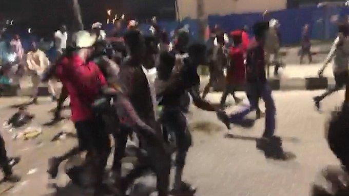 #EndSARS: Popular DJ, others help protesters shot at Lekki Toll Gate