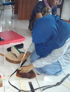belajar membuat sepatu kulit solo