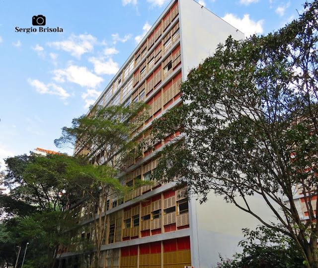Vista ampla do Edifício Louveira - Higienópolis - São Paulo