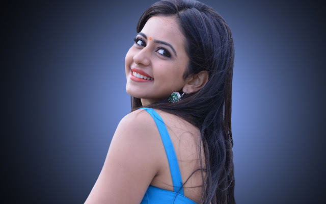 Rakul Preet Singh Images, Hot Photos & HD Wallpapers