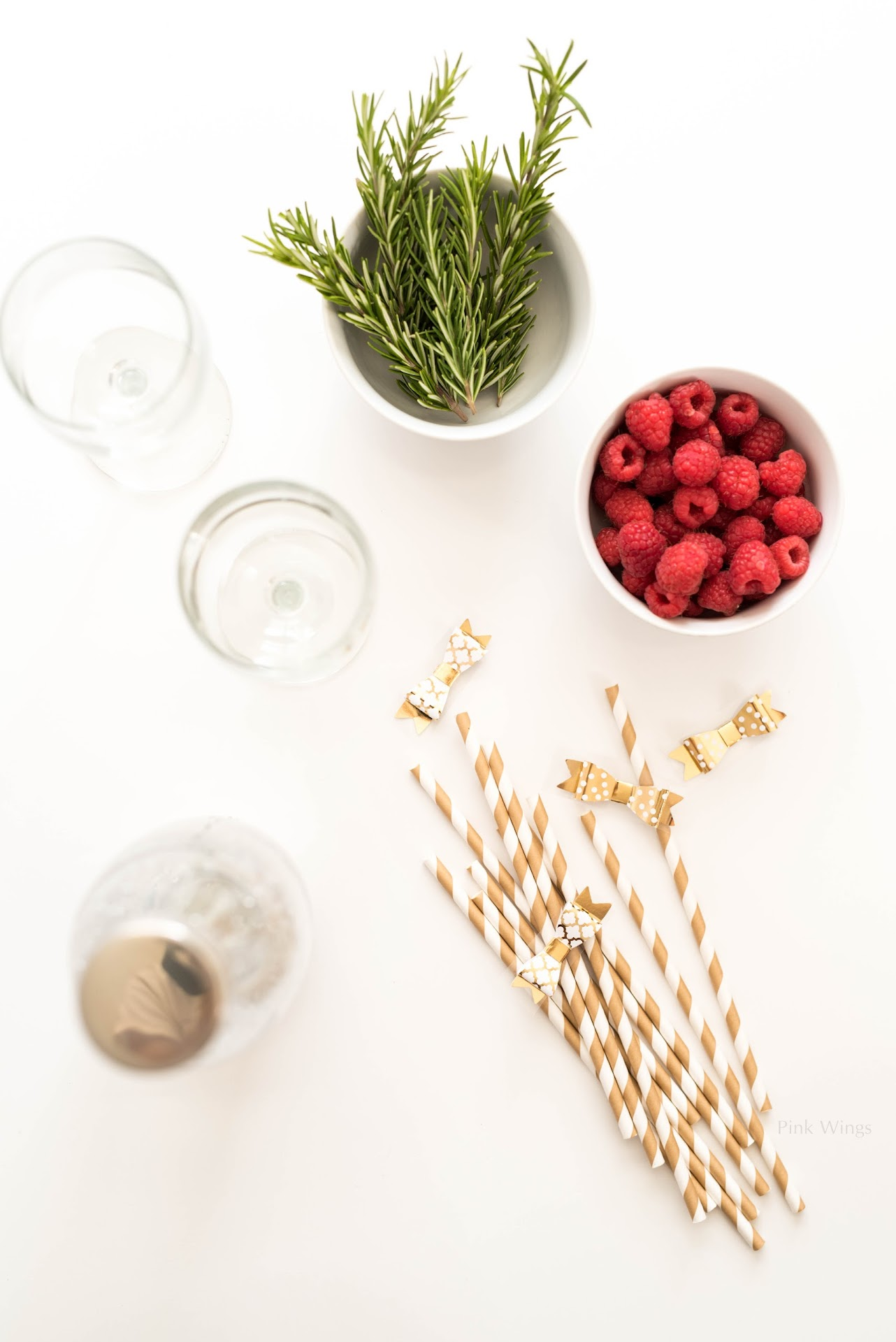 party drink recipe, holidays, christmas, winter, new year's, gold straws, diy drink stirrers, craft blogger, mormon lds, san francisco bay area blogger, mocktail