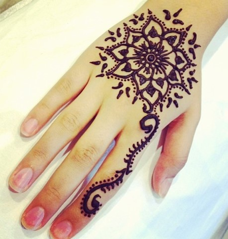 Gambar Henna Tangan Motif Simple Koleksi Terbaru Dari Tattoomagz Org