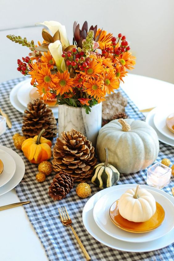 DIY Thanksgiving Centerpieces Your Dinner Table Needs This Year